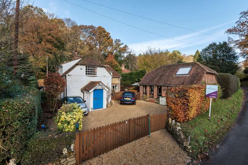 3 Bedrooms Detached House for sale in Fyning Lane, Rogate, Petersfield, GU31