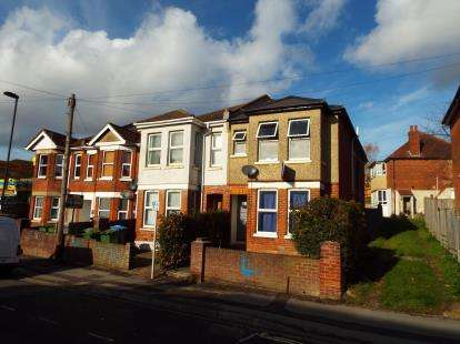6 Bedrooms Semi Detached House for sale in The Polygon, Southampton, Hampshire