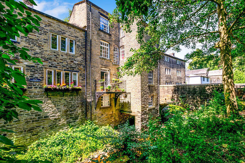 5 Bedrooms Semi Detached House for sale in High Street, Luddenden, Halifax, HX2