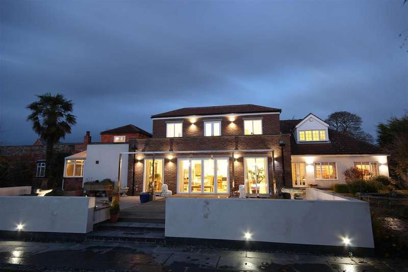 7 Bedrooms Detached House for sale in Jenny Brough Lane, Hessle