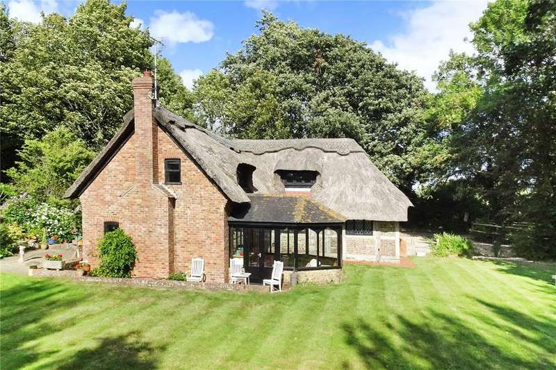 4 Bedrooms Detached House for sale in Climping, Littlehampton, West Sussex