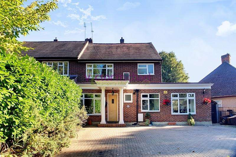 4 Bedrooms Semi Detached House for sale in Falmouth Avenue, Chingford, London, E4