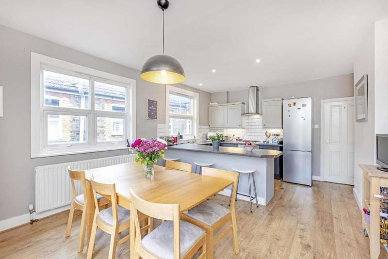3 Bedrooms Flat for sale in Tranmere Road, Earlsfield