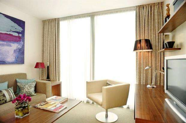 1 Bedroom Flat for sale in Park Plaza County Hall, Westminster SE1