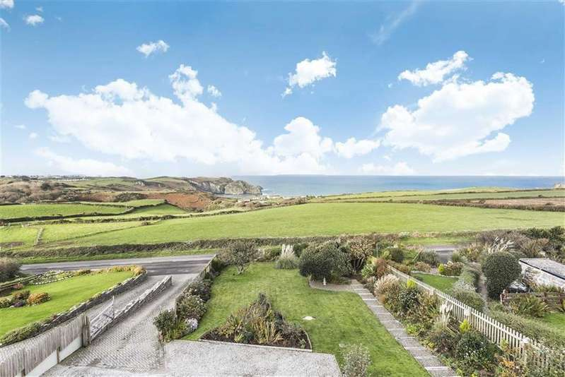 4 Bedrooms Detached House for sale in Trethevy, Tintagel, Cornwall, PL34