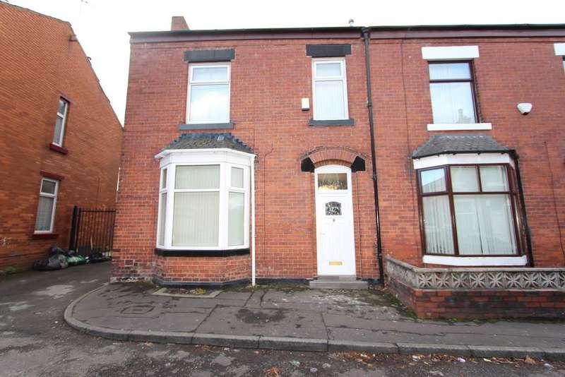 4 Bedrooms Terraced House for sale in Dunster Avenue, Deeplish, Rochdale
