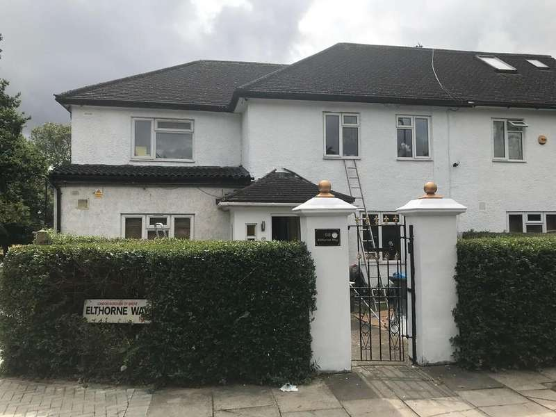 4 Bedrooms Semi Detached House for sale in Elthorne Way, Hendon, NW9