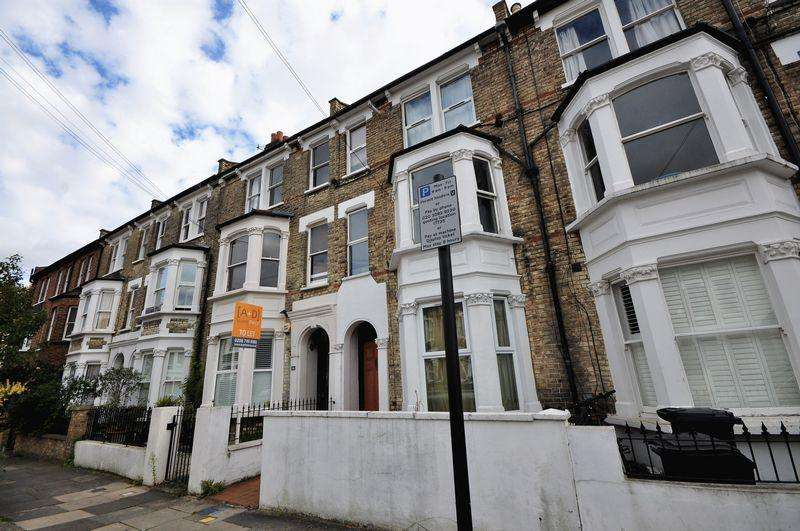 3 Bedrooms House for sale in Percy Road, London