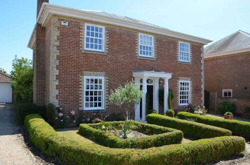 4 Bedrooms Detached House for sale in High Row Field, Felixstowe