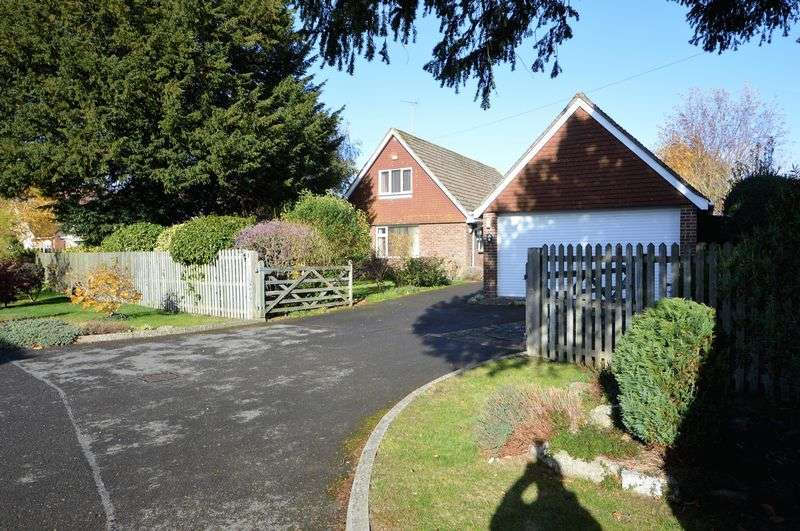 Property for sale in Clarendon Close, Denmead
