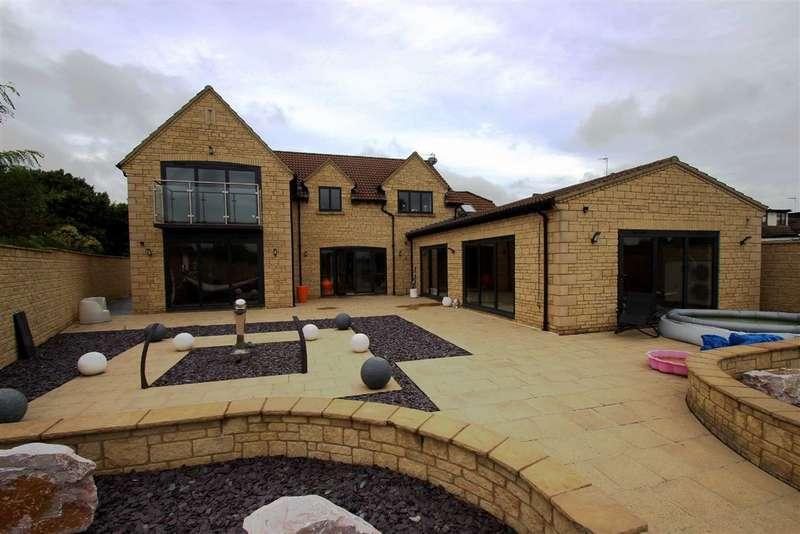 5 Bedrooms Detached House for sale in Beanacre, Melksham, Wiltshire, SN12