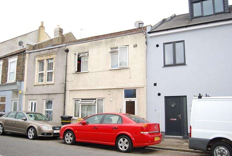Studio Flat for sale in Clouds Hill Road, St George, Bristol
