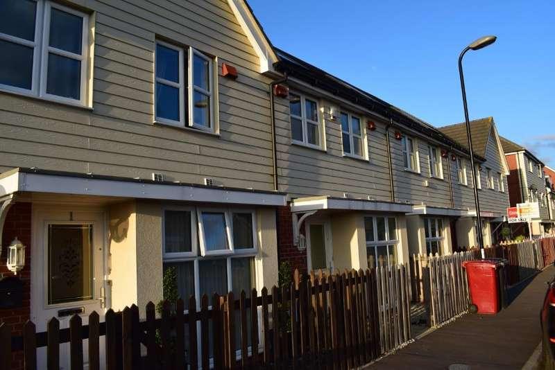 3 Bedrooms House for rent in Cippenham