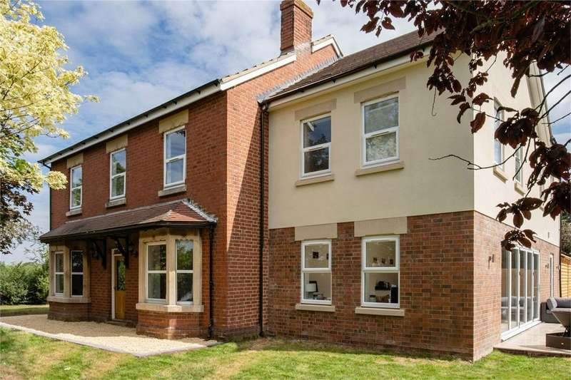 5 Bedrooms Detached House for sale in Nupend, Stonehouse, Gloucestershire