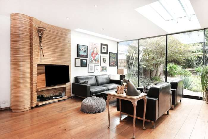 4 Bedrooms Property for sale in Chanctonbury Way London