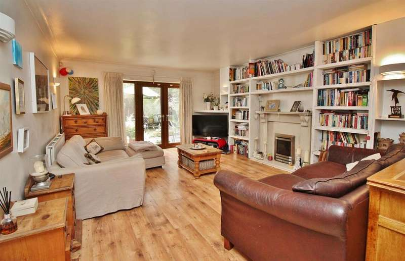 5 Bedrooms Detached House for sale in Pinewood Road, Abbey Wood