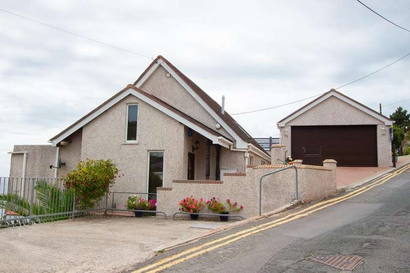 4 Bedrooms Detached House for sale in Heybrook Bay, Plymouth