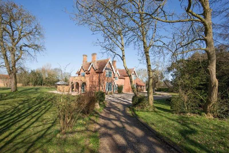 6 Bedrooms Detached House for sale in Guestwick, Norfolk