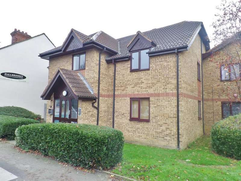 1 Bedroom Ground Flat for sale in Redwood Grove, Bedford