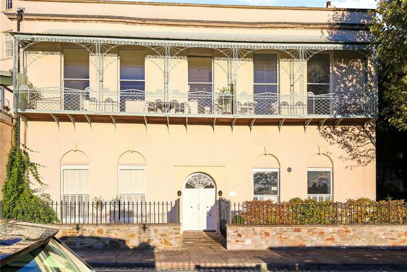 2 Bedrooms Flat for sale in Sion Spring House, Sion Hill, Bristol, BS8