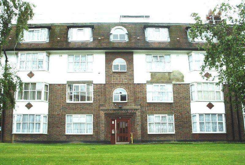 2 Bedrooms Apartment Flat for sale in Crest Road, London