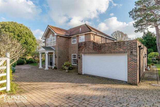 4 Bedrooms Detached House for sale in Carlisle Road, Eastbourne, East Sussex