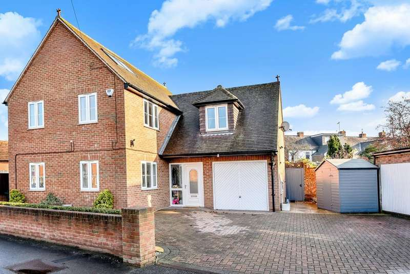 4 Bedrooms Detached House for sale in Courthouse Road, Maidenhead, SL6