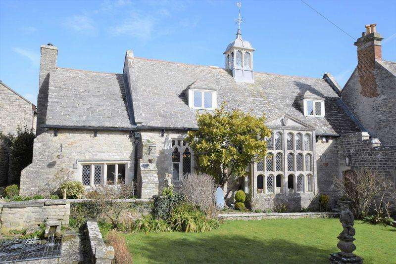 4 Bedrooms Semi Detached House for sale in High Street, Swanage