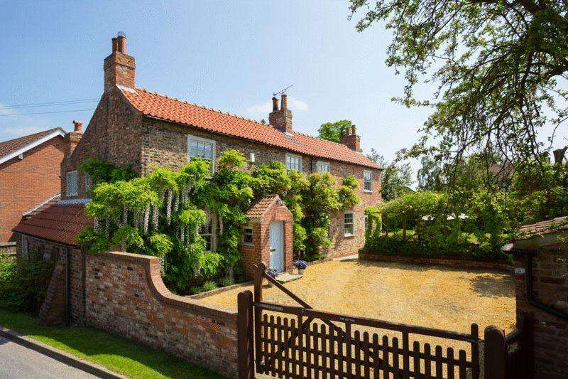 4 Bedrooms Detached House for sale in The Cottage, Naburn