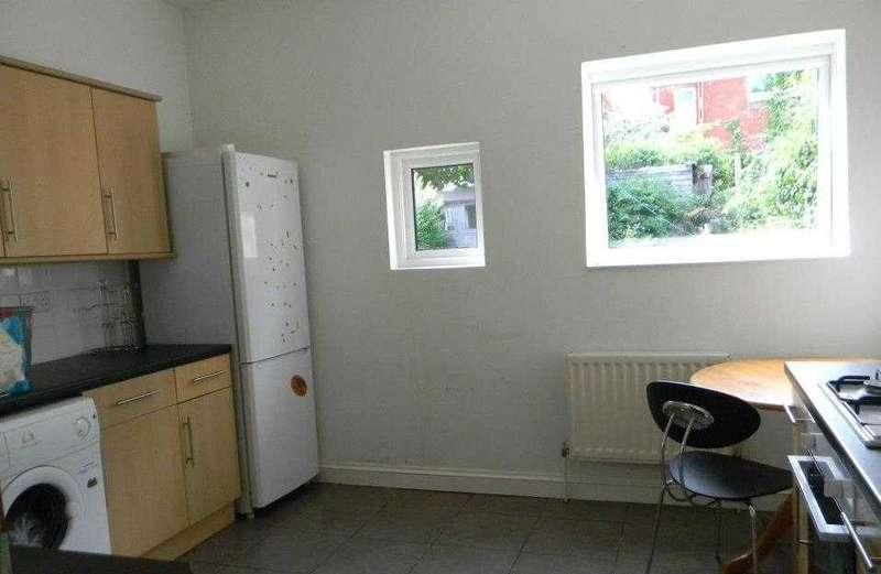 6 Bedrooms Property for rent in Sedgley Road, Winton