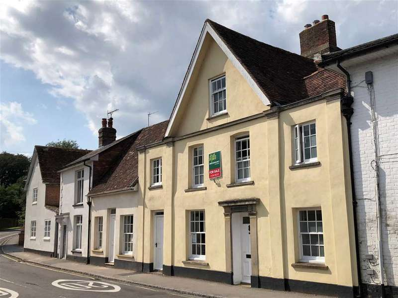 4 Bedrooms Terraced House for sale in Beautiful, listed residence in central Whitchurch