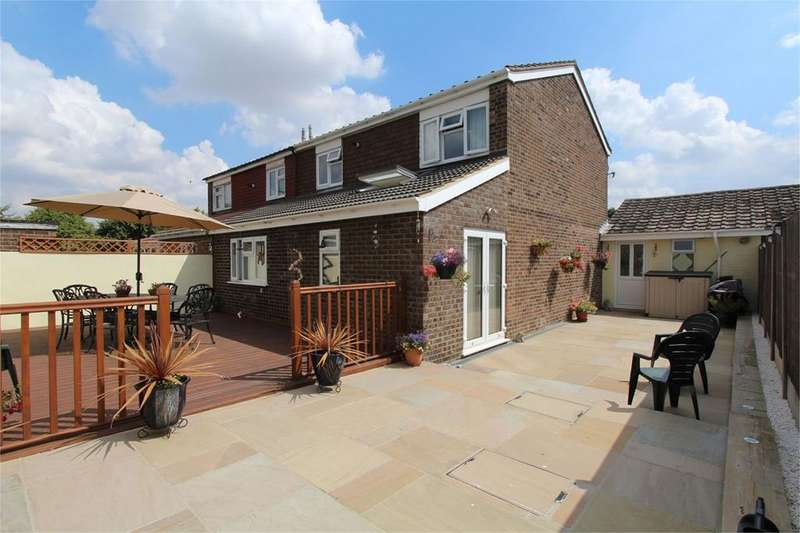 4 Bedrooms Semi Detached House for sale in Greskine Close, Bedford, MK41