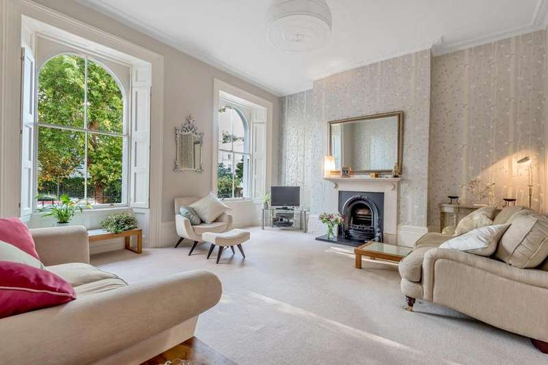 3 Bedrooms Flat for sale in Camberwell Grove, Camberwell