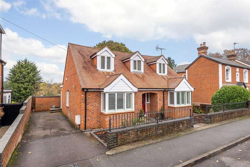 4 Bedrooms Detached House for sale in Church Road, Chavey Down, Ascot, Berkshire