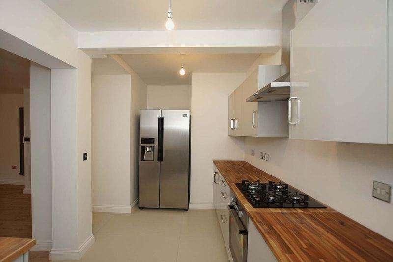 2 Bedrooms Apartment Flat for sale in Church Road, Bristol, Redfield, BS5 9HF