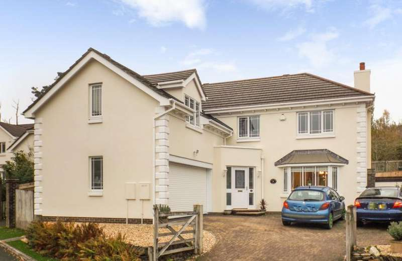 5 Bedrooms Property for sale in Carlyon Bay