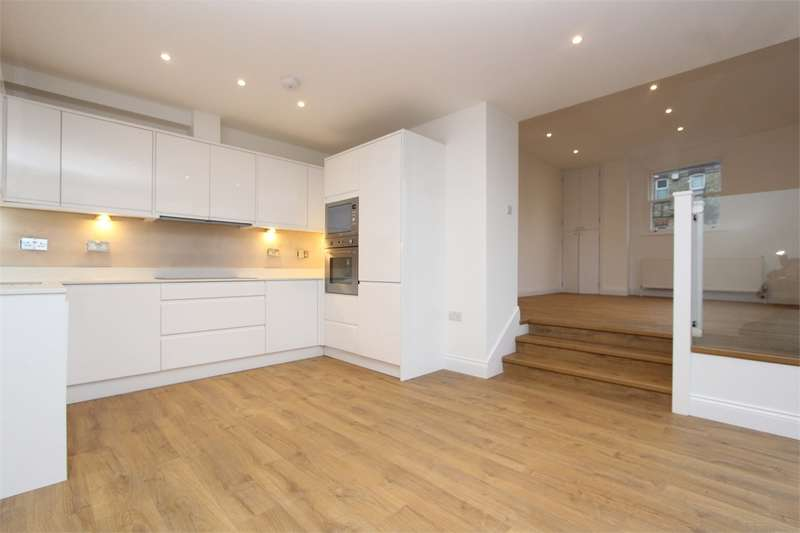 3 Bedrooms Flat for sale in Alexandra Park Road, Muswell Hill, London