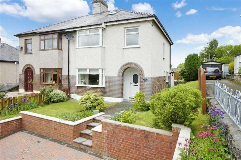 4 Bedrooms Semi Detached House for sale in Town Hill, Llanrwst, Conwy