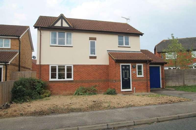 3 Bedrooms Detached House for sale in Lark Vale, Watermead, Aylesbury
