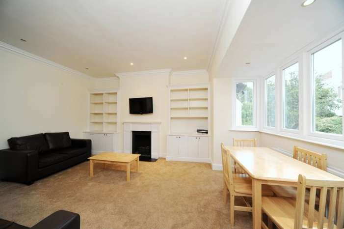 3 Bedrooms Flat for rent in Briardale Gardens, Hampstead, London, NW3