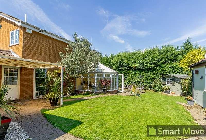 3 Bedrooms Detached House for sale in Hyholmes , Bretton, Peterborough, Cambridgeshire. PE3 8LG