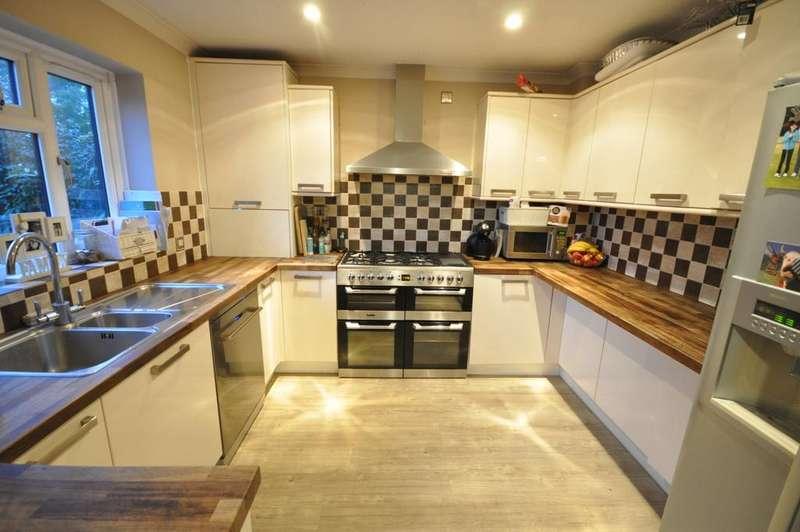 4 Bedrooms House for sale in Sylvester Close, Winnersh, Wokingham, RG41 5LL