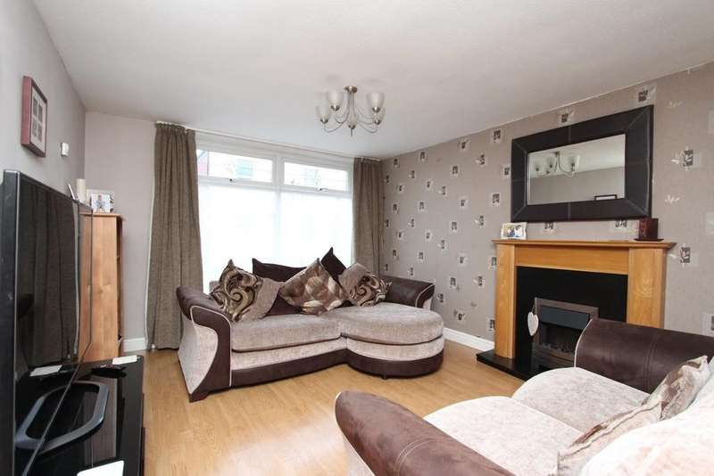 3 Bedrooms Terraced House for sale in Oxford Way, Heaton Norris