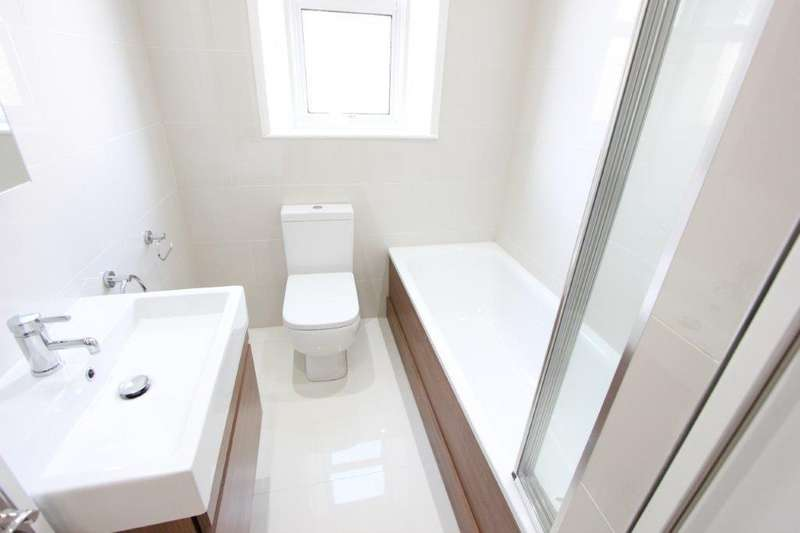 4 Bedrooms Terraced House for sale in Harrington Road, London