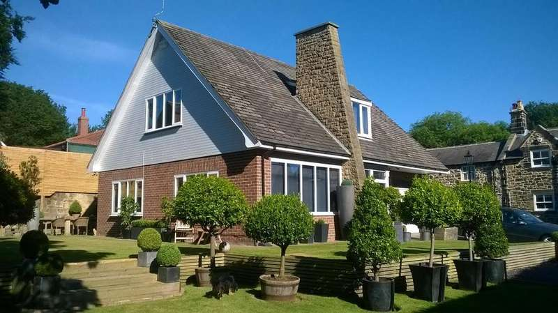 4 Bedrooms Detached House for sale in Church Way, Earsdon Village