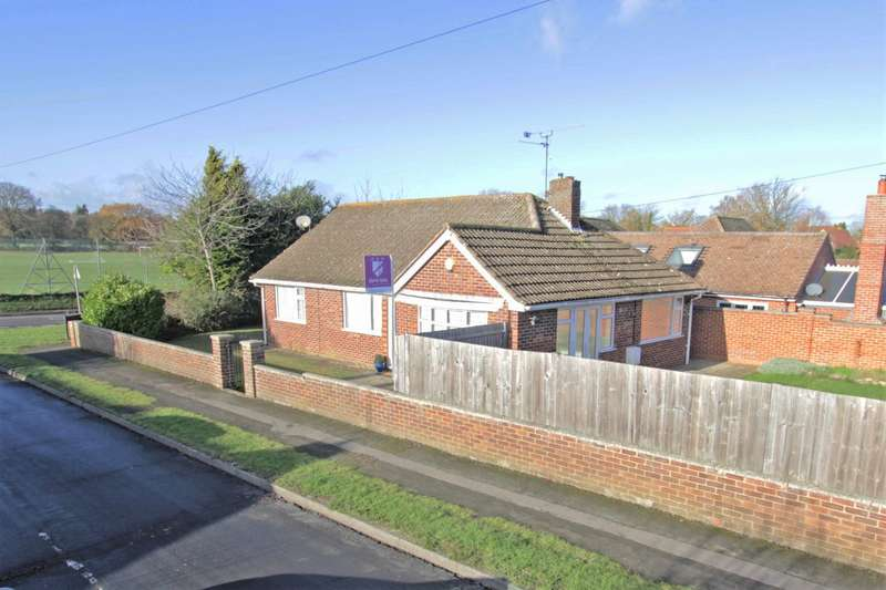 3 Bedrooms Detached Bungalow for sale in White Lodge Close, Tilehurst, Reading, RG31