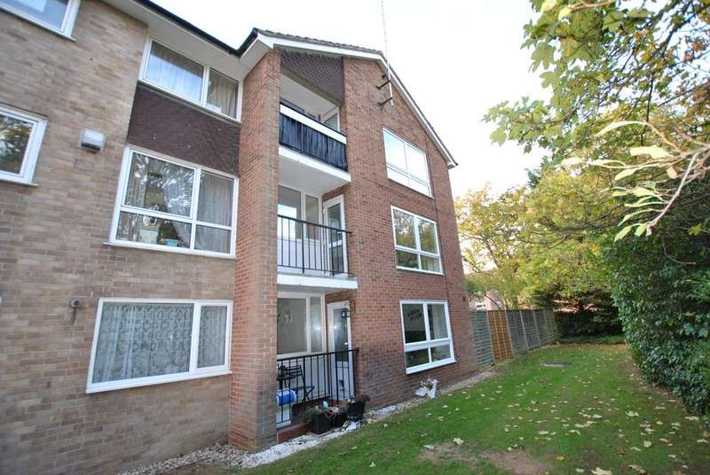 2 Bedrooms Flat for sale in Inglewood Court, Reading