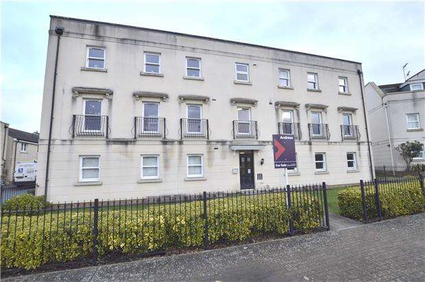 2 Bedrooms Flat for sale in Redmarley Road, CHELTENHAM, Gloucestershire, GL52 5GA