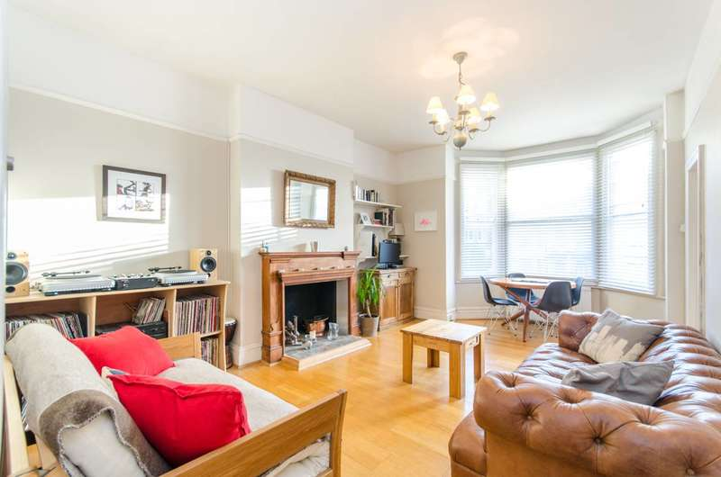 1 Bedroom Flat for sale in Chichele Road, Willesden Green, NW2