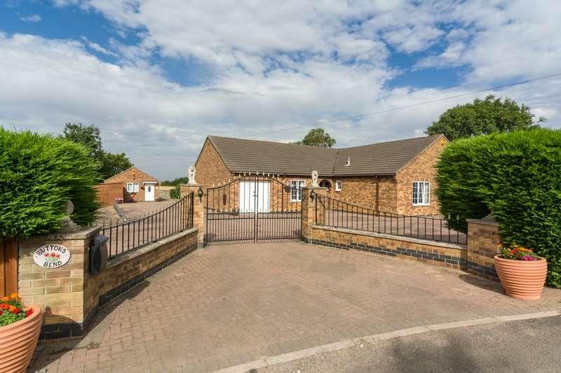 4 Bedrooms Bungalow for sale in Saltfleet, Saltfleet, Lincolnshire, LN11